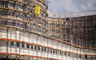 скеле под наем за вашия строителен проект